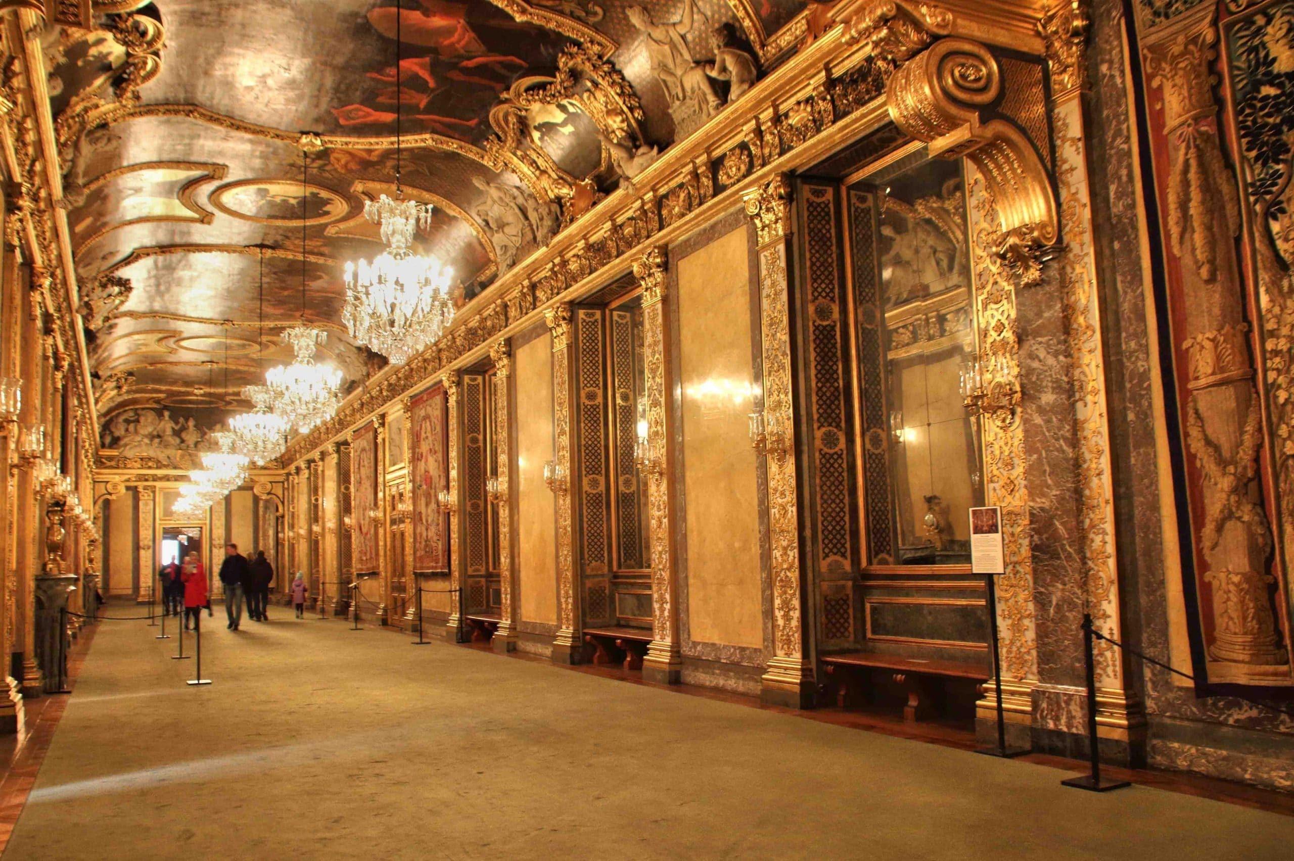 Visita guidata in italiano del Palazzo Reale di Stoccolma
